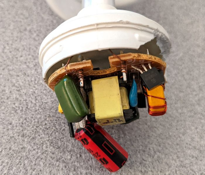 photo of the wiring connecting the CFL bulb and PCB